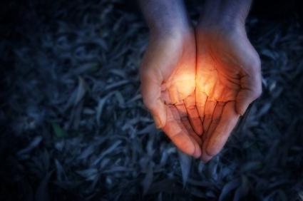 פוסט - האור שבתוכנו - תמונה ראשית